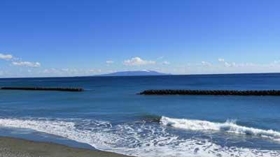 河津町から見た大島